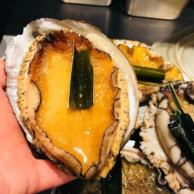 アワビいつもより大きい!#アワビのステーキ#アクサングラーブルソレイユ